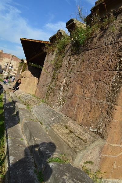 Back-Side-Of-Caesars-Temple