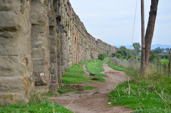 Claudian-Aqueducts-3-Parco-Aqueducto-Rome