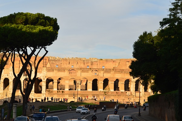 Colosseum-Wide-Shot