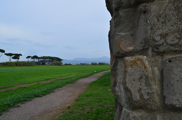 Mountains-And-Aqueducts-Rome